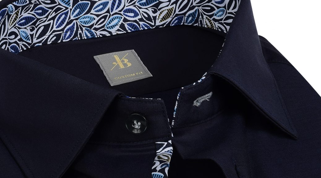 overhemd combineren op een zwart pak